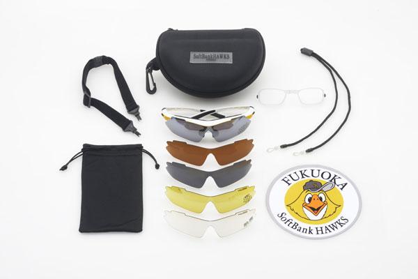福岡ソフトバンクホークス×クーレンズAVENTURA は、ケースはもちろん、5種類の交換レンズ、度付き対応インナーフレーム、ストラップ、ゴーグルベルト、オリジナルメガネ拭きなど全12点の豪華セット。