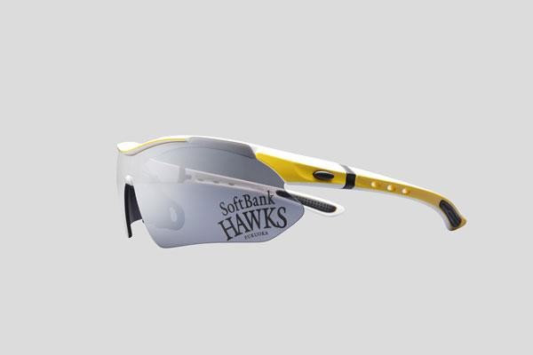 スモークミラーレンズには、「SoftBank HAWKS FUKUOKA」のロゴ。