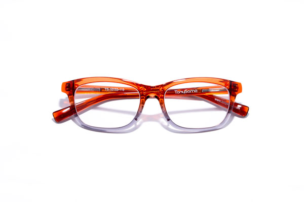 TonySame(トニーセイム) TS-10153 カラー:119(オレンジ/グレー) 参考価格:25,000円(税抜) はじめてのメガネとしても、何本も持っているひとの定番メガネとしてもオススメ。