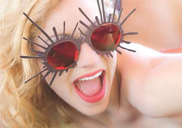 コレクション名の「PSYCHO」は「狂人」を、モデル名「Splash」は「液体がはねたような」をそれぞれ意味する大胆なサングラス。 image by ic!berlin