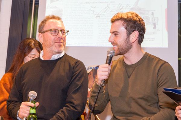 (左)4代目経営者ハーヴェイ・モスコット氏 (右)5代目でチーフデザイナーのザック・モスコット氏