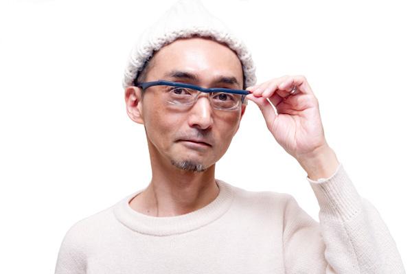 アドレンズ ライフワン カラー:ブルー 着用写真(男性)