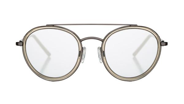 Marshall Eyewear(マーシャル アイウェア)JOEY カラー:Python サイズ:1サイズのみ 人気のボストンタイプをツーブリッジにすることで個性と重量感をプラス。シルバーミラーレンズが目元をクールに彩ってくれる。 image by エムズプラス