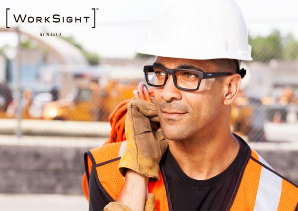 WorkSight™(ワークサイト)の優れた耐衝撃性は、タフな現場の強い味方。