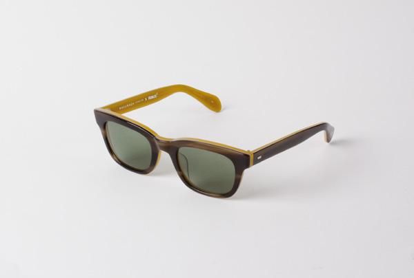 MASUNAGA since 1905 × PEANUTS KO-000 価格:29,000円(税抜) MASUNAGA 光輝のルーツ「光輝 000」をベースにしたサングラス。カラーはSnoopy、Woodstock、Charlie Brownの3色。