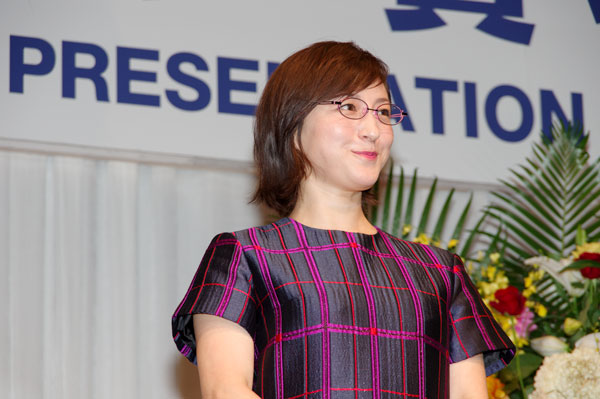 続いてのメガネは、Takanori Yuge(タカノリ ユゲ)の NEW MARBLE-29。