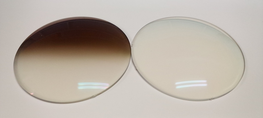 メガネレンズ [ハーフ調光レンズ] © JDP GOOD DESIGN AWARD