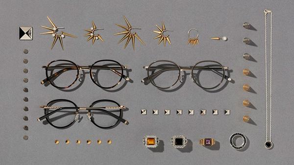 Zoff(ゾフ)「LOVE BY e.m. eyewear collection」 「オニキスのピラミッド(Pyramids of Onyx)」 ZP61003(左上から時計回りに)C-1(ブラウン)・B-2(グレー)・B-1(ブラック) 左右のレンズをつなぐブリッジの裏側、そしてテンプル(つる)に施されたスタッズに注目。男女問わず掛けられるデザインで、カラーによるイメージの違いも楽しみたい。