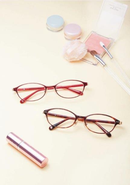i-mine Personal Color Edition(イマイン パーソナルカラーエディション)は、「掛けたほうが素敵に見える」パーソナルカラー対応メガネ。