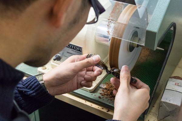 「鼻盛り」加工については、「店長ブログ」で詳しく紹介されている(その1・その2)。