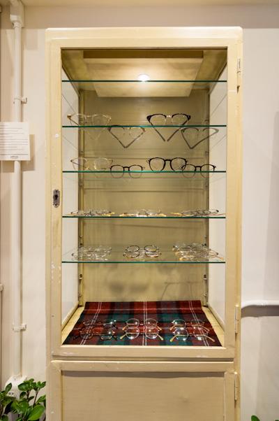 「古き良き時代の紳士の眼鏡」をイメージしたオリジナルブランド「FISH & CHIPS(フィッシュ&チップス)」。