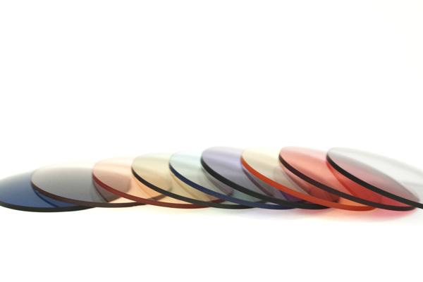 The PARKSIDE ROOM(ザ・パークサイド・ルーム)がセレクトしたサングラス用「カラーレンズ」は、9種の中から好みの1種類を選べる。