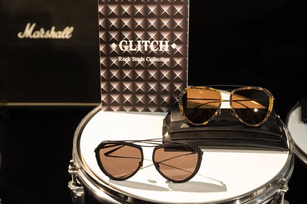 パンクやロックのファッションとヴィンテージアイウェアの要素が融合した、GLITCH(グリッチ)ならではのスタイルに注目だ。