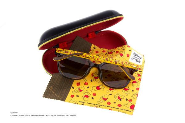 テンプル(つる)の柄とおそろいのメガネ拭き、そしてオリジナルケースも付属。