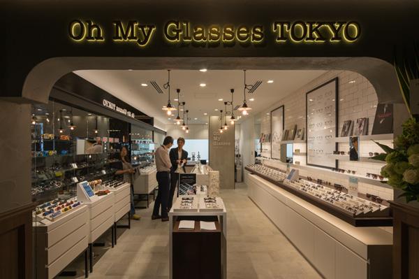 Oh My Glasses TOKYO エソラ池袋店は、Esola(エソラ)池袋の4階。