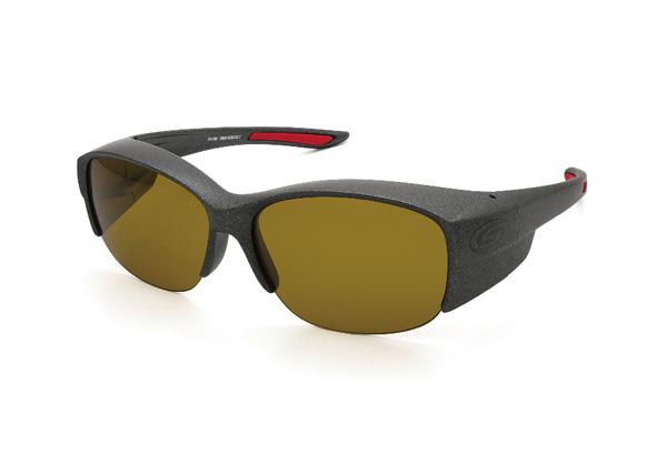愛眼 COVER GLASSES-DX(カバーグラスDX) SR-016P-2 フレームカラー:ガンメタル×レッドラバー レンズカラー:マロンブラウン レンズスペック:可視光線透過率24%・偏光度99% 価格:12,960円(税込)