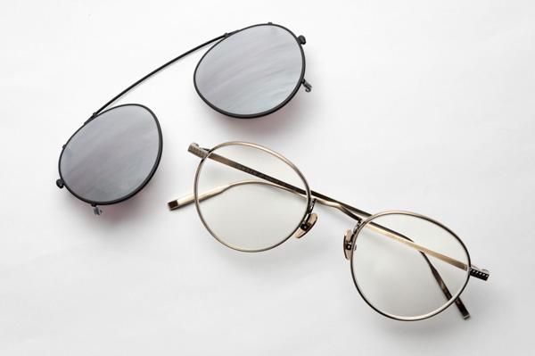 必要に応じて着脱できるクリップオンタイプのサングラスと組み合わせると、日差しがまぶしいときの運転がさらに快適に。