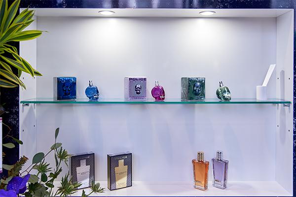 フレグランス5種も販売。自分らしさを表現できる香りを選んでみたい。
