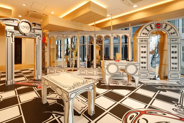 ニコラ・ビュフ氏のアート展「Trompe-l'oeil(トロンプ・レイユ)モンスターのめがね屋さん」は、JINS 渋谷店にて1月10日(木)まで開催中。