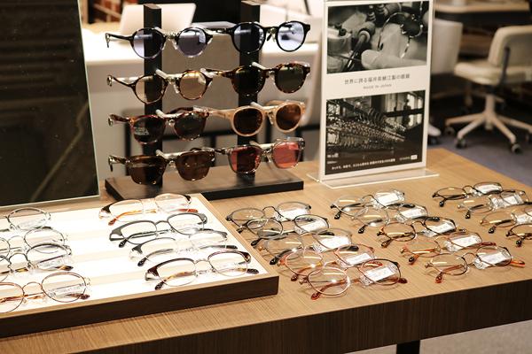 オーマイグラス東京 渋谷MODI店には、福井県鯖江製のメガネが充実。