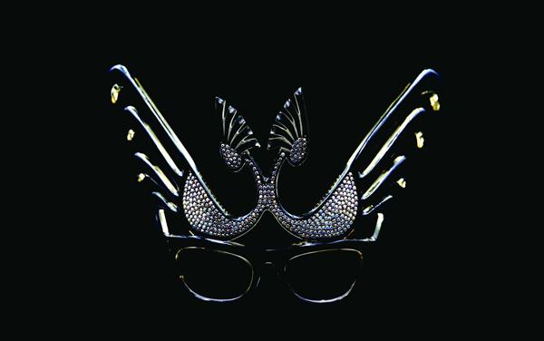 1950年代フランス製のマリリンモンローを彷彿させるキャットアイメガネ
