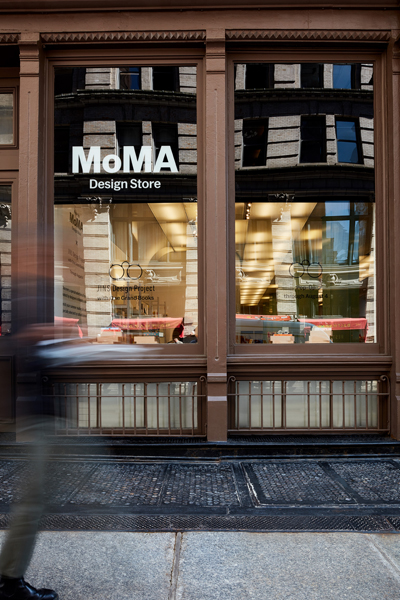JINS at MoMA Design Store, Soho 外観