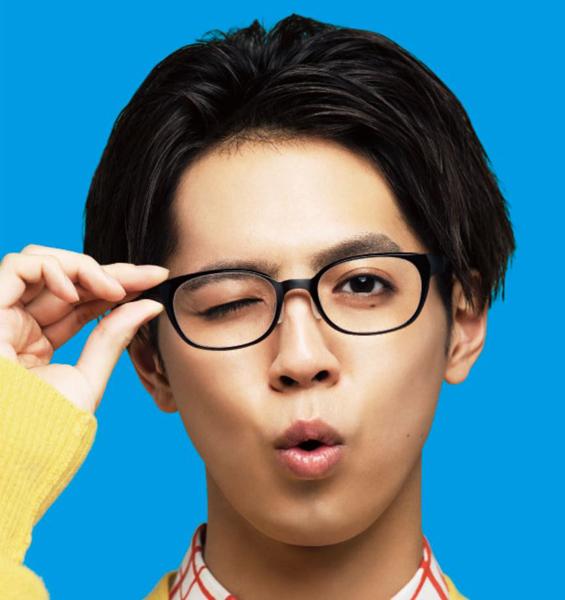 映画「午前0時、キスしに来てよ」片寄涼太(綾瀬楓)着用メガネ・その1