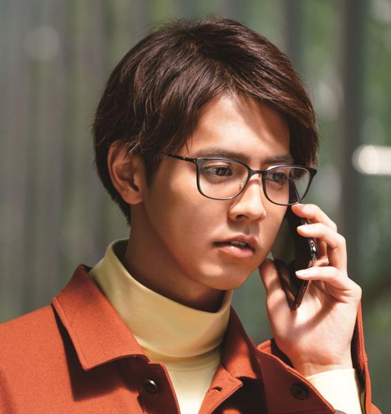 映画「午前0時、キスしに来てよ」片寄涼太(綾瀬楓)着用メガネ・その2