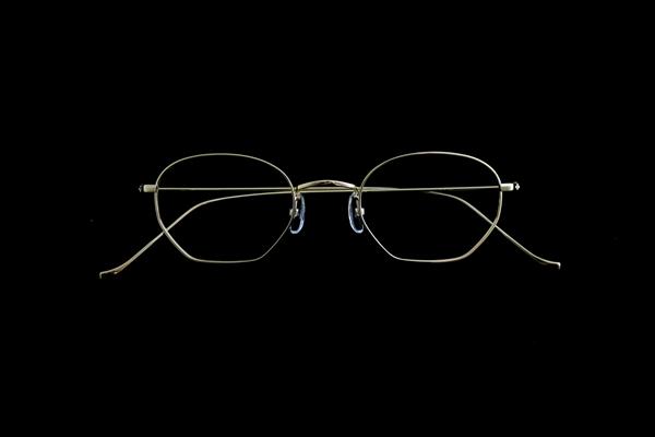 ARCH OPTICAL(アーチ・オプティカル) 品番:A/yg – HEG 46 素材:K18YG 価格:488,000円(税別)