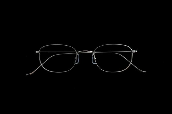 ARCH OPTICAL(アーチ・オプティカル) 品番:A/wg – SQR 47 素材:K14WG 価格:488,000円(税別)
