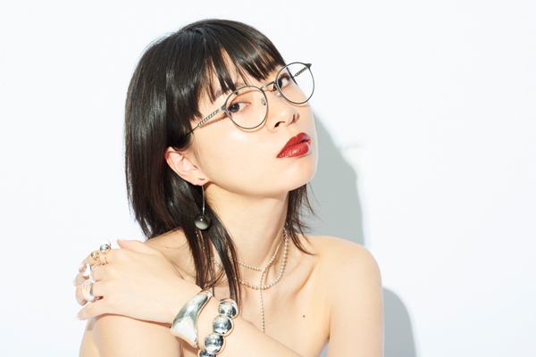 Zoff×LOVE BY e.m. eyewear collection ZO192022_15E1 着用イメージ・その1