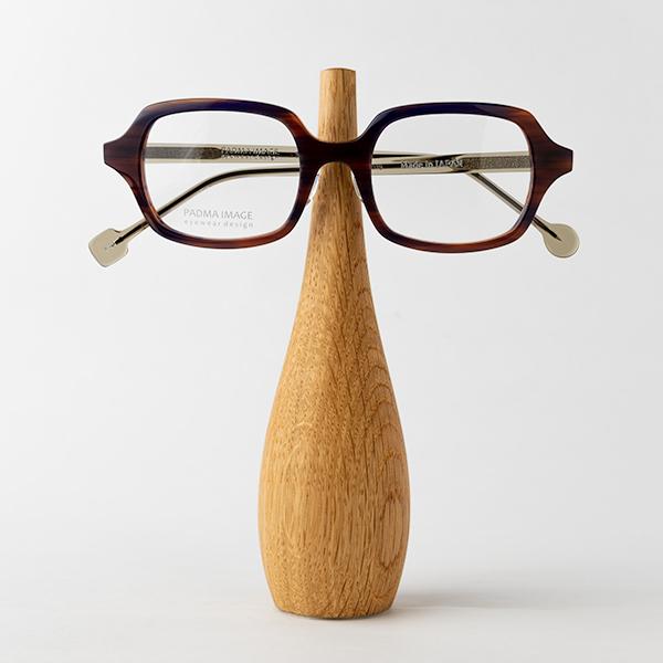 オーク(大)メガネを置いたところ