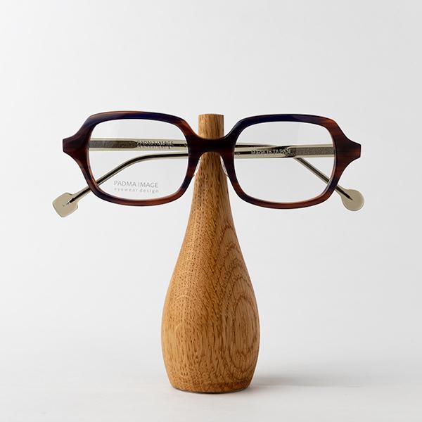 オーク(小)メガネを置いたところ