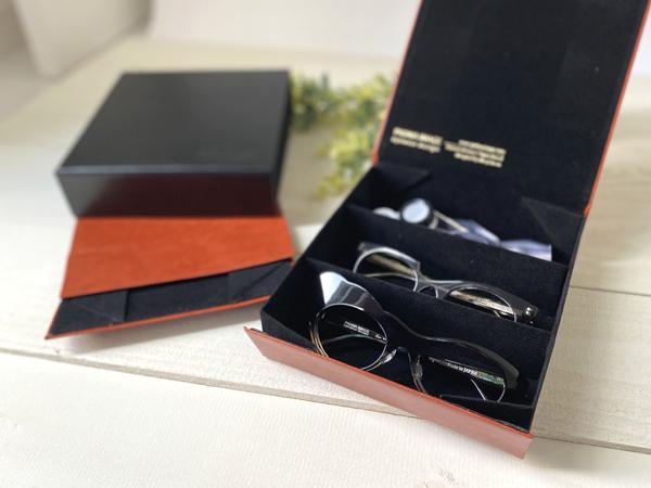 PADMA IMAGE(パドマイメージ) 四角の眼鏡ケース 価格:3,960円(税込)