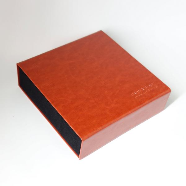 PADMA IMAGE(パドマイメージ) 四角の眼鏡ケース カラー:Brown