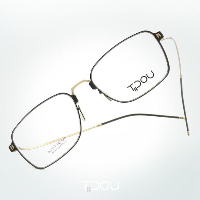 Beta Titanium Eyeglasses [Tidou Eyewear]
