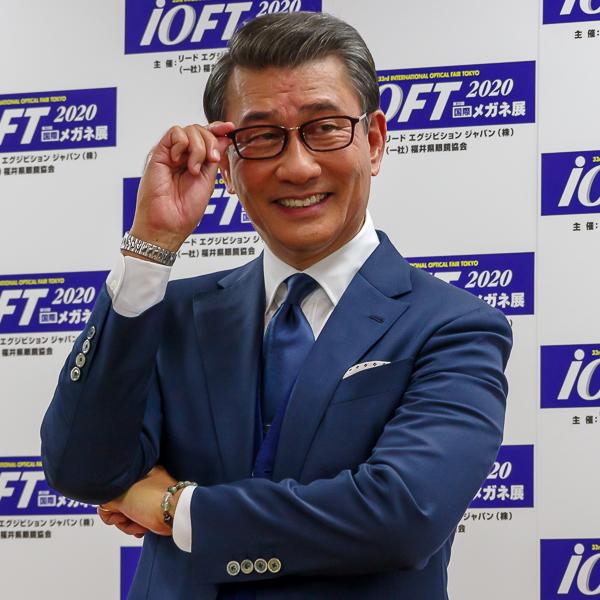 中井貴一がメガネ ベストドレッサー賞芸能界部門(男性)受賞「メガネ・サングラスを60本以上持つ、大のメガネ好き」