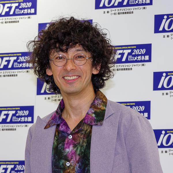 フォトセッションに臨んだ滝藤賢一さん・その7