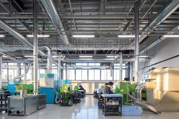 ルックスオティカが福井県鯖江市に開設した新製造拠点・その4