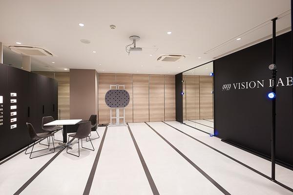 フォーナインズ 銀座本店 3階 999.9 VISION LAB.(フォーナインズ ビジョンラボ)