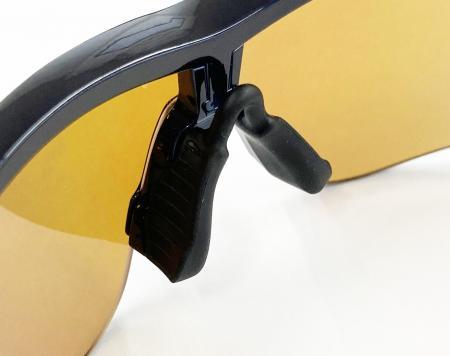 眼鏡市場 i-ATHLETE(アイアスリート)サングラス 特殊ツインブリッジ・ノーズパッド: