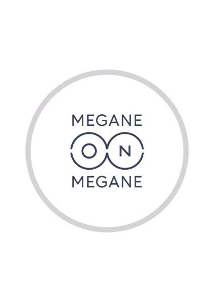 「MEGANE on MEGANE」ロゴ